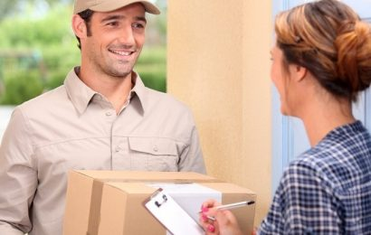 How to Find the Right International Postage Delivery Service?